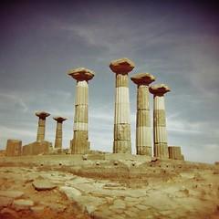 Temple of Athena - lomo (sonofwalrus) Tags: holga film lomo lomography scan turkey middleeast behramkale templeofathena temple pillars columns ruins