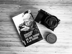Sebastião Salgado (Gaetan682) Tags: passion lecture fav favoris followme blackandwhite nb bw noiretblanc culture salgado book livre back camera iphone7 7 iphone apple