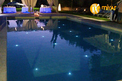 "Illuminazione-piscina-con-led-sommergibili • <a style=""font-size:0.8em;"" href=""http://www.flickr.com/photos/98039861@N02/20691733724/"" target=""_blank"">View on Flickr</a>"