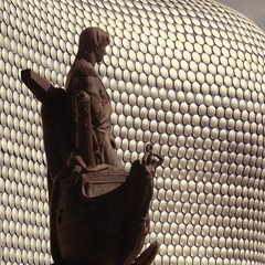 Admiral Nelson in the Bull Ring Birmingham (metrogogo) Tags: england statue europe nelson victory selfridges bronzestatue admiral westmidlands nelsonscolumn bullring admiralnelson birmingahm shipsbow