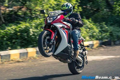 2015-Honda-CBR650R-15