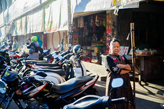 Salatiga Market | (Ordinary_Folk) Tags: life red colour indonesia happy humanity market f14 sony voigtlander mc human colourful 40mm dailylife alpha a7 nokton element developingcountry salatiga