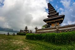 IMGP2349 (vivosi8) Tags: bali indonesia island temple pentax ile k5 dieux beratan indonsie puraulundanuberatan