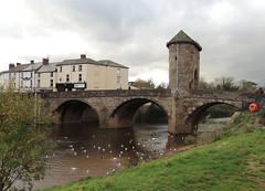 Monnow Bridge, Monnow Street, Monmouth 11 November 2015 (Cold War Warrior) Tags: monmouth rivermonnow monnow monnowbridge monmouthshire