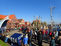 Shanty choir on a sunny Sunday in Port Neuharlingersiel... (libra1054) Tags: port outdoor porto northsea shanty hafen nordsee merdunord neuharlingersiel maredelnord mardonorte