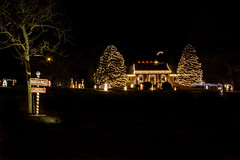 Christmas Lights near Santa's Workshop (donnieking1811) Tags: tennessee cookeville christmas christmasdecorations christmaslights christmastree northpole santasworkshop sign signs nightime outdoors canon 60d