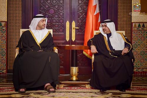 """ولي عهد البحرين يستقبل عبدالله بن زايد على هامش """"حوار المنامة"""""""