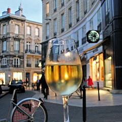 Bordeaux - Aux Grands Hommes (pom.angers) Tags: canoneos400ddigital 2011 november 111111 bordeaux 33 gironde nouvelleaquitaine france europeanunion wine 100
