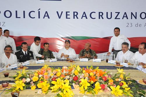El gobernador Javier Duarte de Ochoa  asistió a la Ceremonia del Día del Policía Veracruzano.