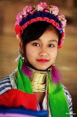 0S1A1407 (Steve Daggar) Tags: thailand chiangmai culture portrait costume longneck karinlongneck hilltribe candid