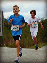 Hard 2 (Cavabienmerci) Tags: boy sports boys sport youth race children schweiz switzerland  child suisse running run runners pied runner engadin engadine lufer lauf 2015 graubnden grisons samedan coureur engadiner sommerlauf coureurs engiadina