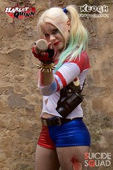 IMG_7421 (Neil Keogh Photography) Tags: blue red white black girl gold belt gun boots cosplay top trainers gloves goodnight bracelets dccomics pigtails spikes harleyquinn hotpants baseballbat studioshoot fishnettights suicidesquad borderfx modelnataliemiddlehurst