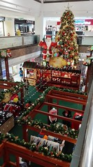 Merry Christmas and a Happy New Year (Lim SK) Tags: christmas tree mall