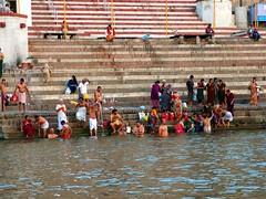 Bathing at the Ghats (fzlxk) Tags: india varanasi uttarpradesh ghat ganges ganga washing bathing bathingintheganges river inde travel voyage asia asie travelphotography photographiedevoyage