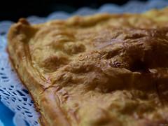 Ésta y tres más (Luicabe) Tags: alimento cabello cocina comida empanada enazamorado hojaldre interior luicabe luis macrofotografiìa masa profundidaddecampo yarat1 zamora ngc macrofotografía