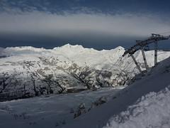 Across the Valley (Gilder Kate) Tags: samsung samsungmobile samsunggalaxys5mini smg800f lesarcs france ski skiing snow lifts