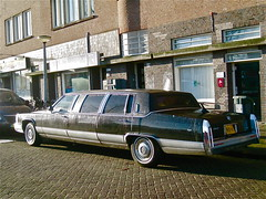 1991 CADILLAC Fleetwood Brougham 'S&S Coach' (ClassicsOnTheStreet) Tags: classic amsterdam gm cadillac streetphoto spotted 1991 stretched limousine 1990s 90s streetview fleetwood slee strassenszene brougham youngtimer 2015 amsteldijk klassieker gespot uscar 8cylinder straatfoto carspot stretchedlimo fleetwoodbrougham sscoach 8cilinder prgf89 sttraatbeeld