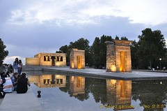 debod4 (al perez / leo.jinlaohu) Tags: madrid park parque sunset sky españa cloud lake reflection lago temple pond reflected cielo reflejo estanque puestadesol bluehour ocaso nube templo magichour reflexión 天空 debod 公园 寺庙 池 西班牙 湖 天 湖泊 夕阳 云彩 映像 反射 沼 泊 头 反照 圣殿 潭 horamágica 潢 反映 神庙 horaazul 反射光 蓝光 魔术光 或魔幻时刻 魔术时刻 云头