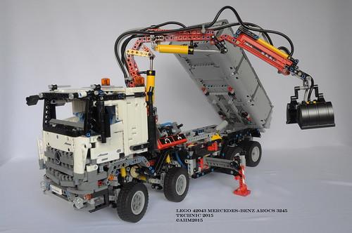LEGO Technic 42043 Mercedes Benz Arocs 3245 a photo on