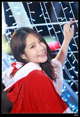 nEO_IMG_DP1U0812 (c0466art) Tags: christmas light cute girl smile face canon square happy store eyes colorful pretty bright sweet gorgeous taipei lamps feeling lovely charming decroration 1dx c0466art  department