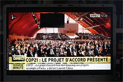 La 21e Conférence des Parties / COP 21 - Paris 2015 IMG151212_057_S.D/S.I.P_Compression700x467 (Sébastien Duhamel) Tags: copyright news paris france french europa europe european newmedia eu agency canon5d press information fr francia challenge prensa fra photojournalist informacion presse fnh climat climatic addictedtoflickr fotoperiodista flickrsbest fotoreportero photojournaliste golddragon ultimateshot flickrdiamond bancodeimagenes goldstaraward thebestofday rubyphotographer flickrlovers fondationnicolashulot médiapart flickroom cop21 flickrhivemindgroup reporterphoto footagestock projetnicolashulot banqued'images journalistephoto projetcop21 mobilisationpourleclimat cop21paris2015 pourleclimat mobilizationclimatic thepariscommittee