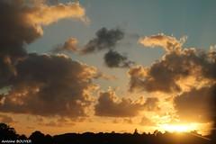 Belles claircies au soleil couchant (antoinebouyer) Tags: soleil claircie temps mto soir coucher nuage ciel sky cloud