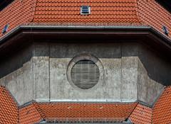 Crematorium (thewhitewolf72) Tags: krematorium berlin wedding denkmalschutz freidenker bestattung achteck einäscherung urne feuerbestattung architektur location mansarden dach geometrie halle