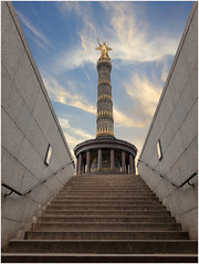 Goldelse : Berlin Victory Column (Giovanni Giannandrea) Tags: victorycolumn berlin monument germany heinrichstrack prussian goldelse pillars granite gildedcolumn