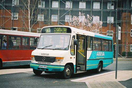 ArrivaEHE-2376-R946VPU-Hertford-290303ia