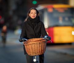 Copenhagen Bikehaven by Mellbin - Bike Cycle Bicycle - 2017 - 0032 (Franz-Michael S. Mellbin) Tags: accessorize biciclettes bicycle bike bikehaven biking copenhagencyclechic copenhagenize cyclechic cyclist cyklisme fahrrad fashion people street velo velofashion københavn capitalregionofdenmark denmark dk