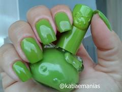 Hello Kit (não sei o nome da marca e nem da cor, não tem nada escrito no rótulo) (katiaemanias) Tags: verde katiaemanias esmalte esmaltes polish importado nailpolish nails nail unhas unha