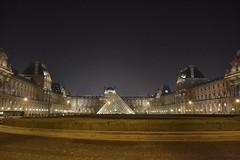 Paris, Pyramide du Louvre (Mike_ww) Tags: paris pyramidedulouvre