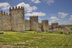 "City walls of Avila • <a style=""font-size:0.8em;"" href=""http://www.flickr.com/photos/45090765@N05/32231869716/"" target=""_blank"">View on Flickr</a>"