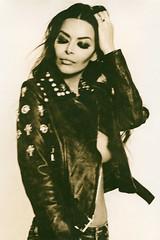 Elvira - Lith Print (Walter Sans) Tags: lith portrait model leica ld20 black white analogue film kodak trix