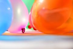 Make The World More colorful (luenreta) Tags: 7dwf crazytuesday maketheworldmorecolorful throughherlens globos colores colorful