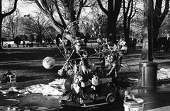 (Stevelb123) Tags: film filmphotography bnw bnwfilm 35mm 35mmfilm 35mmblackandwhitefilm blackandwhite35mm blackandwhite blackandwhitephotography blackandwhitefilmphotography blackandwhitefilm ilford400 ilfordhp5 ilfordfilm ilford nikon nikonphoto nikonfm nikkor streetphotography streetphoto street boston massachusetts bostonstreetphotography