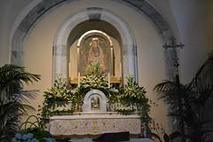 Altare con quadro dedicato alla Vergine