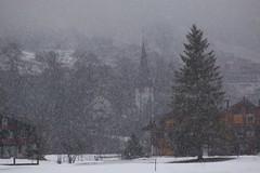 Lauterbrunnen (4) (José Rambaud) Tags: lauterbrunnen interlaken snowing snowstorm alpes alps alpen alpi montañas mountains mountain snow snowcapped suiza suisse switzerland schweiz europa outdoor viaje travel traveler landscape paisaje paisagem paysage