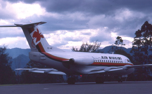 An Air Niugini Fokker F28