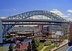 VeteransMemorial Bridge & The Flats