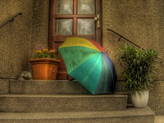 Welcome, sunshine! (Florian Siebeck) Tags: door flowers stairs umbrella photography gallery fine hdr photomatix tophdr fivestarsgallery of justhitmewithyourbestshotvotetop10fornov2007photocontest thegalleryoffinephotography