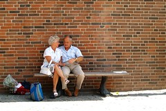 Happy old couple (Dr. Hemmert) Tags: street summer people shopping bench happy couple sitting married market streetphotography streetshot