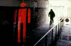 Insidia - (Peril) ([ piXo ]) Tags: red underpass subway cyclist semaforo ciclista fleeting rosso semaphore sottopassaggio interestingness258 utatafeature lanouvellerevolutionsurrealiste bdg flavioronco pixotropic