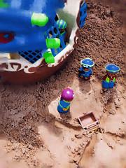 Dig faster, you varmints! (Pewari) Tags: sand treasure pirates x monthlyscavengerhunt monthly hunt scavenger msh0606 msh060619