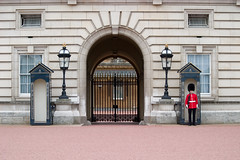 Buckingham Palace - by RightIndex
