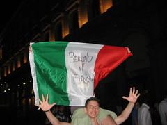 Caduto il Dogma!!! (mario.mc) Tags: italy milan italia milano mani manos bandera mano duomo 20 bandiera berlino tifosi mondiale mondiali partidagermaniaitalia fiame