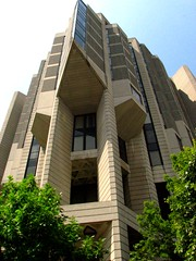 John P. Robarts Library, University of Toronto (viviloob) Tags: city toronto ontario canada building brick architecture university library universityoftoronto structure robarts robartslibrary utatathursdaywalk13 johnprobartslibrary