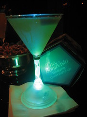 Bona Vista Color-changing martini glass