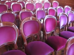 La sala esta vacía pero poco a poco vendrán los espectadores