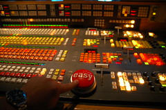 Ready One- TAKE ONE! (Mike Gilbert Photography) Tags: seattle mike interestingness tvstation eugene explore 1870mmf3545g controlroom cbs kiro tvnews kiro7 seattletv 20052009michaelgilbertallrightsreserved